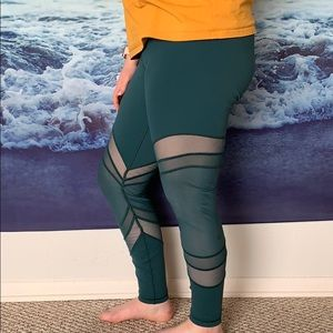 "Lululemon ""Seek the Heat"" Tights / Leggings"